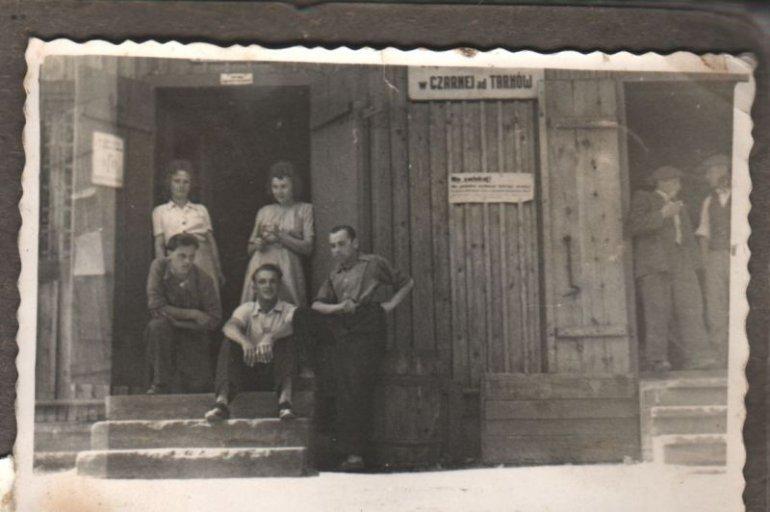 http://www.czarna.com.pl/asp/galeria/wspomnienia_z_dawnej_czarnej/obrazek_skanu009.jpg